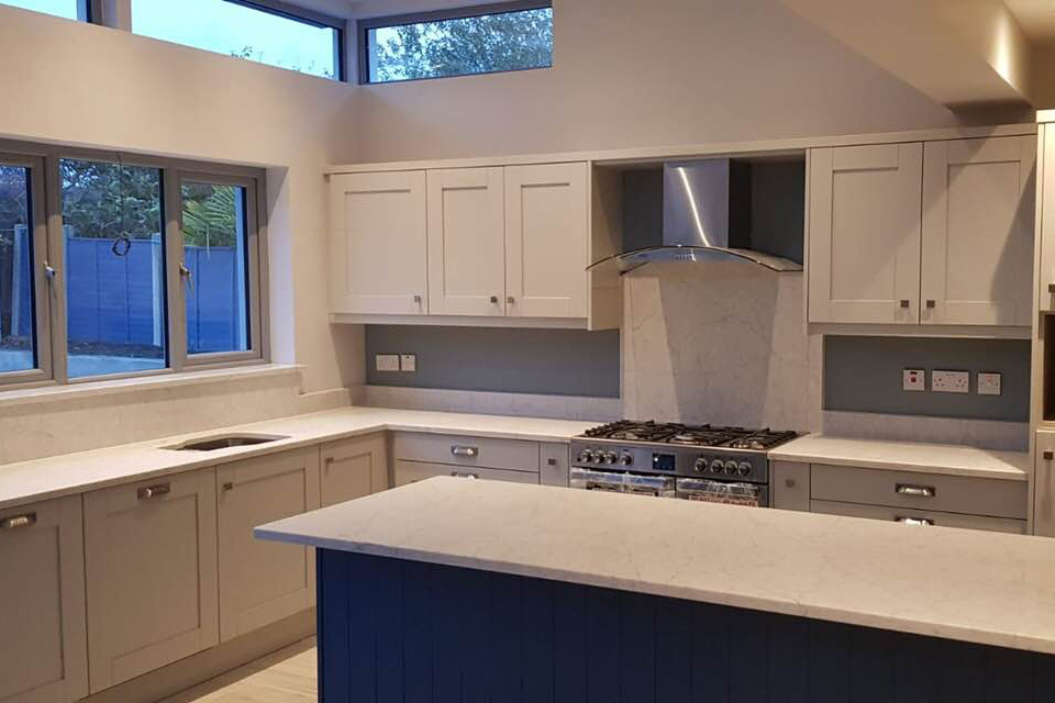 An image showing an example of a kitchen using Mason Quartz Cararra Classic, part of the Evolved Colour Range